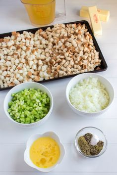 This Easy Crockpot Stuffing recipe is one of my favorite, classic Thanksgiving recipes. It's easy to make and will stay warm in the slow cooker until you are ready to serve. Family Fresh Meals, Easy Family Dinners, Quick Easy Meals, Family Recipes, Best Grill Recipes, Crockpot Recipes, Potluck Recipes, Easy Recipes, Crockpot Stuffing