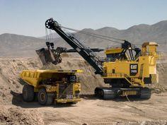The biggest #Caterpillar machines at work