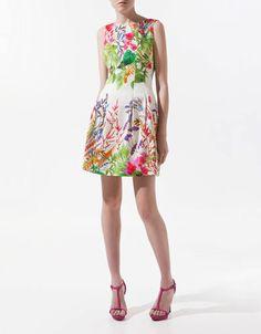 ¡No te pierdas nuestra selección de vestidos para  ir de boda por menos de 50 euros! Este es de Zara  Aquí más: : www.rtve.es/f/95395