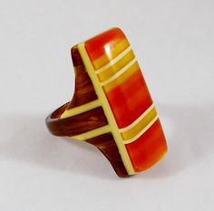 Art Deco Geometric Striped 3 Color Bakelite Ring I want this more than any could know - inga Vintage Costume Jewelry, Vintage Costumes, Vintage Outfits, Art Nouveau, Antique Jewelry, Vintage Jewelry, Wooden Jewelry, Vintage Art, Art Deco Jewelry