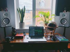 Home Recording Studio Setup, Home Studio Setup, Design Studio Office, Studio Desk, Home Studio Music, Desk Setup, Room Setup, Gaming Setup, Computer Desks For Home