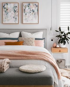 Pink has a bad rap for looking childlike, tacky, or for reminding you of antacids, but with a few styling tricks, a pink interior can go from bleak to chic. Room Ideas Bedroom, Bedroom Colors, Home Decor Bedroom, Aesthetic Bedroom, My New Room, Bedroom Apartment, Cozy House, Room Inspiration, Interior Design