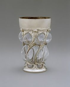 Emmanuel Jules Joseph [Joé] Descomps (1872-1948). Beaker. 1903. Glass and silver. The Metropolitan Museum of Art - New York - USA