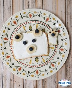 Give your kids' toast a whole new meaning by creating fun animals with delicious fruits and veggies. #breakfast