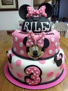 Minnie Mouse birthday cake. All fondant.