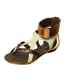 Leather Cross Two-tone Toe Post Flat Sandals