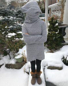El mejor jersey que vas a ver este invierno se llama Leave me alone sweater