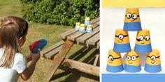 kindergeburtstag-spiele-draußen-wasserpistole-becher-minions