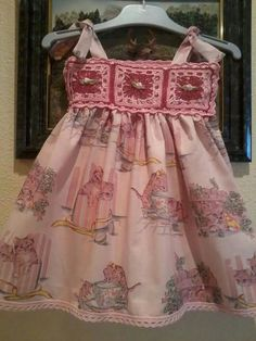 Vestido tela y crochet! By Carmen Crochet Fabric, Leather Fabric, Crochet Clothes, Baby Dress, Apron, Summer Dresses, Pattern, Beautiful, Collections