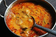 My Mirchi ka Salan is such a family favourite, so i use the same salan base and add different vegetables in them and make different salan recipe. This is my third recipe, pyaz ka salan. Delicious and yummy recipe. Veg Recipes, Curry Recipes, Indian Food Recipes, Cooking Recipes, South Indian Vegetarian Recipes, Indian Vegetable Recipes, Jain Recipes, Vegetarian Cooking, Kitchen