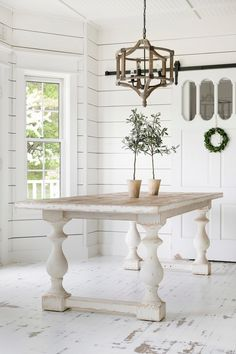 southern home decor The Hadley Farmhouse Table is made of solid, natural hardwood. Youll love the white, distressed farmhouse feel it will bring to your dining room. White Farmhouse Table, Farmhouse Kitchen Tables, Modern Farmhouse Decor, Farmhouse Furniture, Farmhouse Ideas, Vintage Farmhouse, Kitchen Furniture, Table Furniture, Home Decor Shops