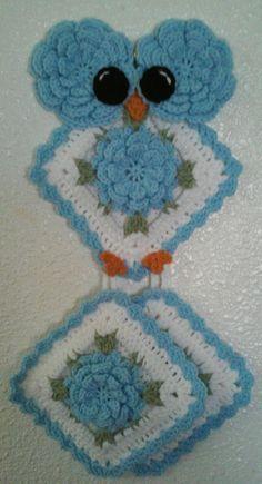 Crochet Miss Rosey Owl Potholder Holder Pattern by Crochet Butterfly Pattern, Owl Crochet Patterns, Crochet Owls, Crochet Potholders, Owl Patterns, Knitting Patterns, Knit Crochet, Crochet Kitchen, Crochet Home
