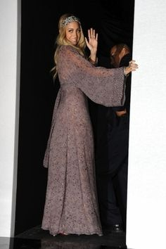 Awesome Nicole Richie dress I've always thought I would look ridiculous in a Maxi, but she's not tha... Check more at http://24shopping.ga/fashion/nicole-richie-dress-ive-always-thought-i-would-look-ridiculous-in-a-maxi-but-shes-not-tha/