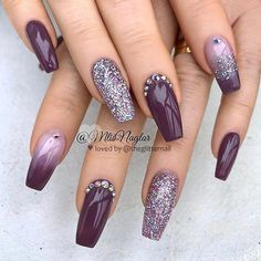 There are three kinds of fake nails which all come from the family of plastics. Acrylic nails are a liquid and powder mix. They are mixed in front of you and then they are brushed onto your nails and shaped. These nails are air dried. When creating dip. Fancy Nails, Trendy Nails, Cute Nails, Cuffin Nails, Diy Nails, Toenails, Nail Nail, New Year's Nails, Nail Polishes