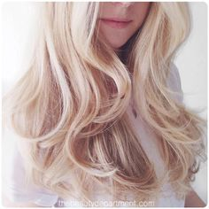 Fake a pro blowout with a curling iron hair tutorial Holiday Hairstyles, Messy Hairstyles, Pretty Hairstyles, Good Hair Day, Great Hair, Blowout Curls, Blowout Hair Tutorial, Wavy Curls, Soft Curls