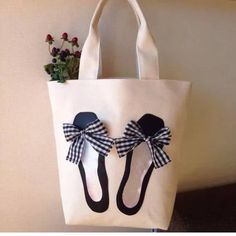 - 👜 Mach es mit 💪🙅 Kunst ist nicht improvisiert, ges… 👜 Do it with 💪🙅 Art is not improvised, flattered …, - Painted Bags, Diy Tote Bag, Embroidery Bags, Craft Bags, Jute Bags, Patchwork Bags, Bag Patterns To Sew, Denim Bag, Fabric Bags