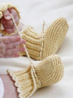 im… – Stricken sie Baby Kleidung Baby Knitting Patterns, Knitting For Kids, Baby Patterns, Knitting Projects, Drops Design, Crochet Baby Booties, Knit Crochet, Baby Drawer, Gestrickte Booties