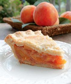 The Perfect Peach Pie Peach Pie Recipes, Fruit Recipes, Sweet Recipes, Cooking Recipes, Easy Desserts, Delicious Desserts, Yummy Food, Summer Pie, Kolaci I Torte