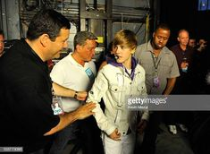 30 Meilleures Justin Bieber My World Tour Madison Square Garden Backstage Photos et images - Getty Images Justin Bieber My World, Justin Bieber Tour, Madison Square Garden, Stock Pictures, Stock Photos, Bbc Broadcast, Editorial News, My Forever, Debut Album