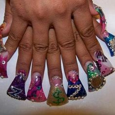 Duck Feet-Shaped Nails: Would You Wear Them?