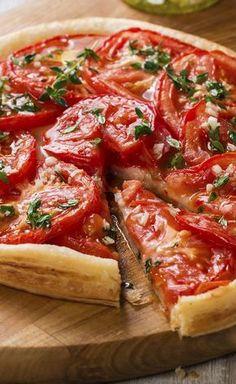 Tomato pie, mustard and fresh herbs , Vegetarian Cooking, Vegetarian Recipes, Tart Recipes, Cooking Recipes, Pizza Recipes, Comida Pizza, Food Porn, Tomato Pie, Healthy Dinner Recipes