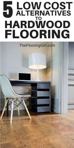 cork flooring Alternative flooring that looks like hardwood but are less expensive - cork flooring Types Of Wood Flooring, Oak Laminate Flooring, Cork Flooring, Engineered Hardwood Flooring, Parquet Flooring, Vinyl Flooring, Flooring Ideas, Flooring 101, Alternative Flooring