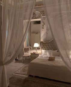 Room Ideas Bedroom, Bedroom Decor, Cute Room Decor, Aesthetic Room Decor, Dream Home Design, Dream Rooms, Luxurious Bedrooms, House Rooms, Interior Design