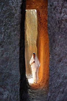 Ethiopia, Lalibela, World Heritage Site, Passage leading to the rock-hewn church of Bieta Abba Libanos