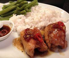 Spicy & Sweet Soy Chicken een lekker makkelijk recept wat wáánzinnig lekker is. Super malse kip in een heerlijke saus. Lekker met sperziebonen & rijst.