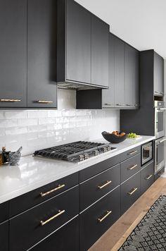 Modern Grey Kitchen, Modern Kitchen Interiors, Luxury Kitchen Design, Kitchen Room Design, Modern Kitchen Cabinets, Home Decor Kitchen, Interior Design Kitchen, Home Kitchens, Cozy Kitchen