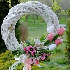 Summer Door Wreaths, Easter Wreaths, Christmas Wreaths, Wedding Door Decorations, Wedding Ideias, Deco Floral, Valentine Wreath, Wreath Crafts, How To Make Wreaths