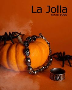 Happy Halloween! La Jolla titanium jewelry has a style for everyone, cute, smart and edgy.#lajolla #colorful #taiwan #taipei #asia #jewelry #gem #fashion #style #accessories #witch #bracelet #ring #earring#tumblr #pendant #photography #photooftheday #necklace #art #love #instagood #halloween #instajewelry #jewelrydesigner #jewels #jewellerydesign #halloween2017 #perfect