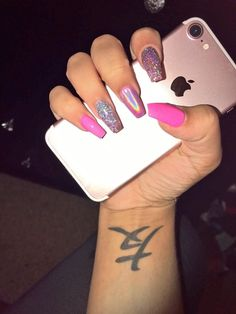 What manicure for what kind of nails? - My Nails Perfect Nails, Gorgeous Nails, Pretty Nails, Pink Acrylic Nails, Acrylic Nail Designs, Pink Holographic Nails, Hot Pink Nails, Pink Acrylics, Aycrlic Nails