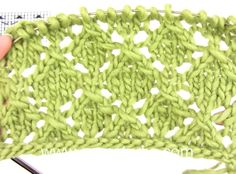 DROPS Knitting Tutorial: How to work the lace pattern in DROPS 160-4
