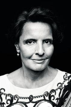 Miksi hallitus tekee sellaisia päätöksiä kuin tekee? Täti sinivihreä, Anne Bernerin henkilökuva | image.fi