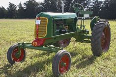 The Oliver 60 first appeared in 1940 and was available in several row-crop configurations. More Tractor Photos. Case Ih Tractors, John Deere Tractors, Mahindra Tractor, Tractor Pictures, Minneapolis Moline, Harvest Farm, Allis Chalmers Tractors, Kubota Tractors