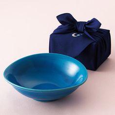 料理を美しく飾る青色の器。【信楽焼 あお盛鉢】