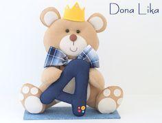 Urso Principe | Dona Lika | Elo7 Baby Crafts, Felt Crafts, Baby Shower Oso, Baby Deco, Baby Kit, Crochet Teddy, Felt Toys, Felt Animals, Panda