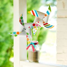 Create a fun, colorful Pinwheel. This Passport to Imagination project shows you how!