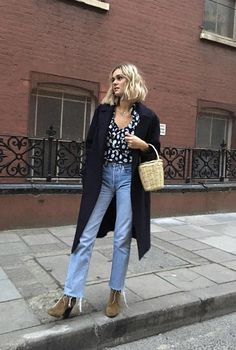 Isn't this the right time to get inspired with some early spring outfits? Daily Fashion, Look Fashion, Girl Fashion, Fashion Outfits, Fashion Trends, Japan Fashion, India Fashion, Fashion Editor, Street Fashion