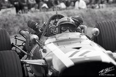 Pedro Rodriguez, British GP Silverstone 1967, Cooper T86 Maserati (Bernard Cahier)...