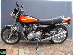 Kawasaki Z 900 von Green Island Bikes. #gib #kawasaki #Z900 #z1000 #greenislandbikes #custombike #elbinsel #krautsand #caferacer #oldschoolbikes Cb650, Z 1000, Kawasaki Motorcycles, Bike Parts, Classic Bikes, Road Bikes, Custom Bikes, Vintage Japanese, Retro