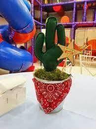 Resultado de imagen para festa toy story centro de mesa Toy Story Theme, Toy Story 3, Toy Story Party, Toy Story Birthday, 16th Birthday, Festa Toy Store, Cumple Toy Story, Western Parties, Cowboy Party