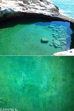 Een zeegroene lagune als inspiratie voor de kleursamenstelling van Sienna Sasso - waterdicht stuc in de badkamer. Kijk bij Kleurstuc.nl