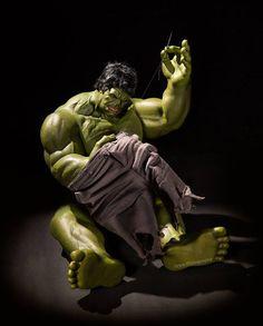 El artista Edy Harjo creó esta serie de fotografías en la que personajes de Marvel y DC, como Hulk, Capitán América o el Hombre Araña, se ven en situaciones cotidianas, lejanas a la acción y llenas de humor: ¿Cómo se verían los superhéroes cuando no están luchando contra los villanos?