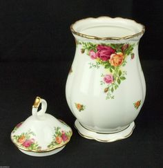 Royal Albert Old Country Roses Large Lidded Jar 1st Quality VGC