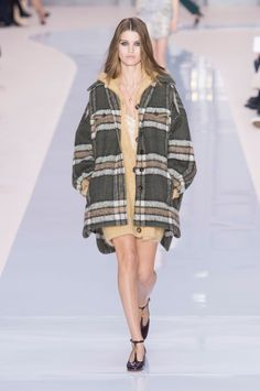 Clare Waight Keller Delivers Her Final Collection to Chloé Girls All Over the World