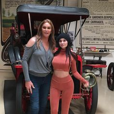 In the driver's seat: Kylie and Caitlyn Jenner went on a family excursion to late night legend Jay Leno's classic car garage Tuesday Kendall Y Kylie Jenner, Kylie Jenner Photos, Looks Kylie Jenner, Estilo Kylie Jenner, Estilo Kardashian, Kylie Jenner Makeup, Bruce Jenner, Kylie Jenner Style, Kardashian Style