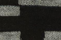 黒色×灰色の生地。