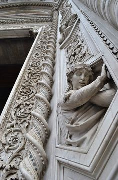 Details, details...Santa Maria del Fiore, Florence, Italy, photo by Anna T.